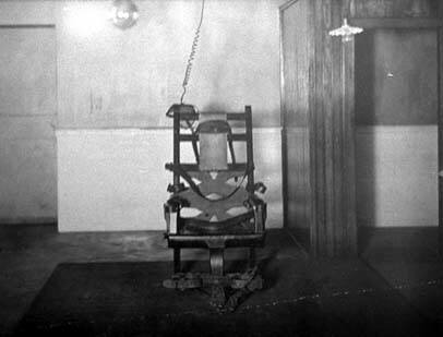 Electric_chair_death_electrocution_extreme_science_experiment_kemmler_museum_13