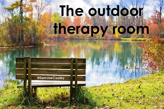 wood-bench_outdoor_therapy_room_talking_psychology_clinical_sam_cooley_blog_nature_conntection